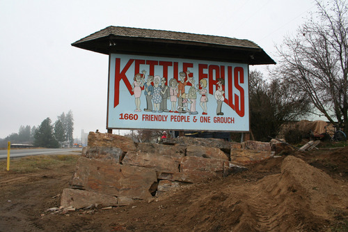 Kettle Falls Washington ~ Medical marijuana dispensary opened by ginny thiede in